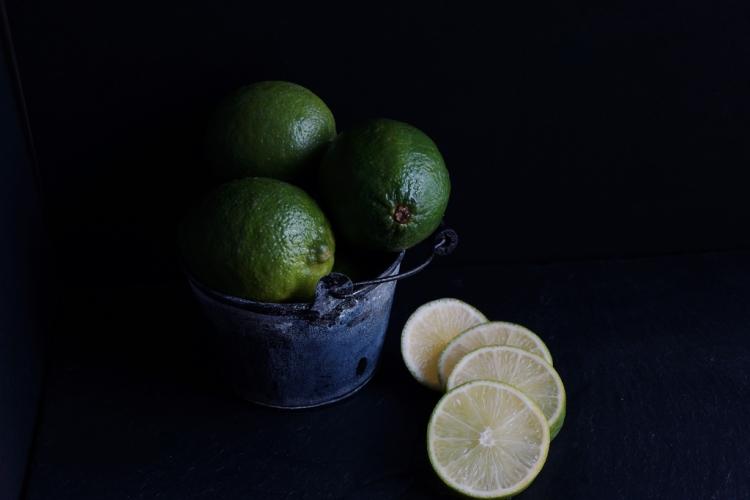 Coconut Chilli Mojito - limes